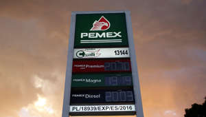 A digital LED price sign of state-owned company Petroleos Mexicanos (PEMEX) shows their prices of the gasoline at a gas station in Monterrey, Mexico, August 8, 2018. Picture taken August 8, 2018. REUTERS/Daniel Becerril