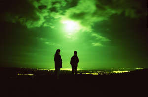 (Original Caption) UFO spotters looking out over the Forth Valley in central Scotland where unexplained sightings are said to be frequent in Bonnybridge, Stirlingshire. (Photo by Colin McPherson/Sygma via Getty Images)