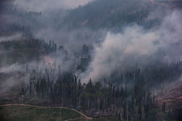 Pikangikum First Nation faces second wildfire evacuation in