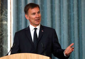 LONDON, ENGLAND - JULY 08: Britain's Foreign Secretary Jeremy Hunt, gestures as he answers a question during a press conference with the Bishop of Truro Philip Mounstephen about the Bishop's final report into the Foreign Office's support for Persecuted Christians around the world on July 8, 2019 in London. (Photo by Alastair Grant - WPA Pool/Getty Images)