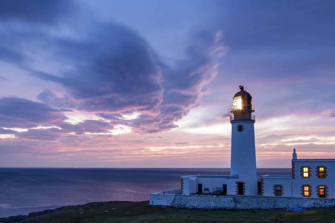Διαφάνεια 8 από 19: UK, Scotland, Highland, Great Britain, Highlands, Rua-Reidth lighthouse at sunset, Highlands West Coast