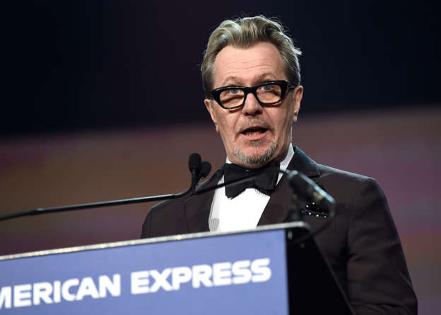 Gary Oldman to star in David Fincher's black and white