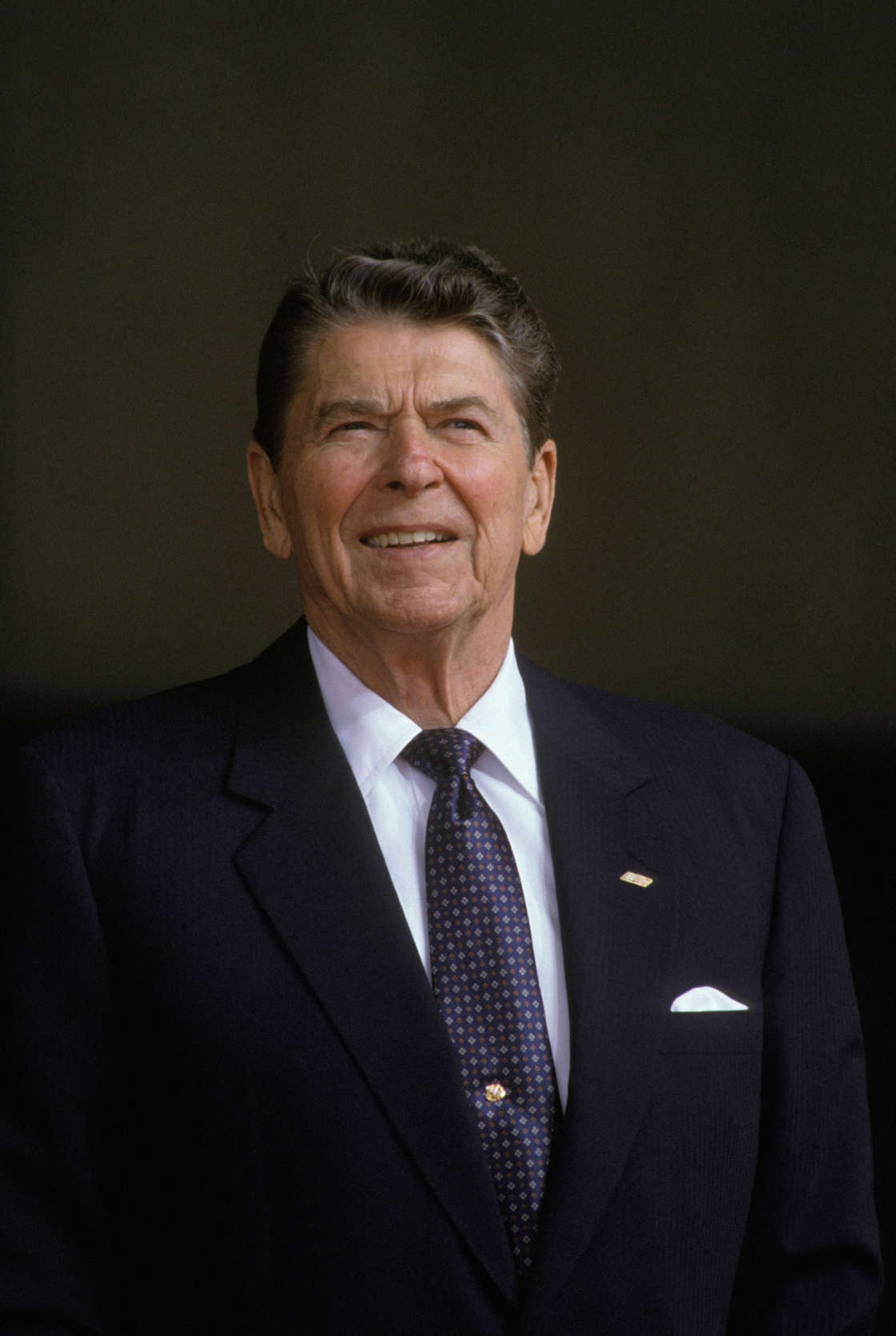 Ronald Reagan au sommet des pays industrialises le 19 juin 1988 a Toronto, Canada. (Photo by Alexis DUCLOS/Gamma-Rapho via Getty Images)