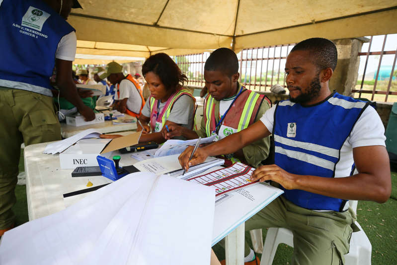 Independent National Electoral Commission (INEC) workers are seen during the Nigeria's governorship and state assembly election at the Gwarinpa ward polling station in Abuja, Nigeria March 9, 2019. REUTERS/Afolabi Sotunde