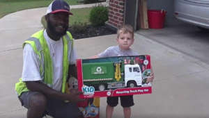 Sanitation worker gifts boy toy recycle truck in viral photo