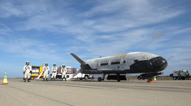 The U S  Air Force's Secretive X-37B Spaceplane Breaks