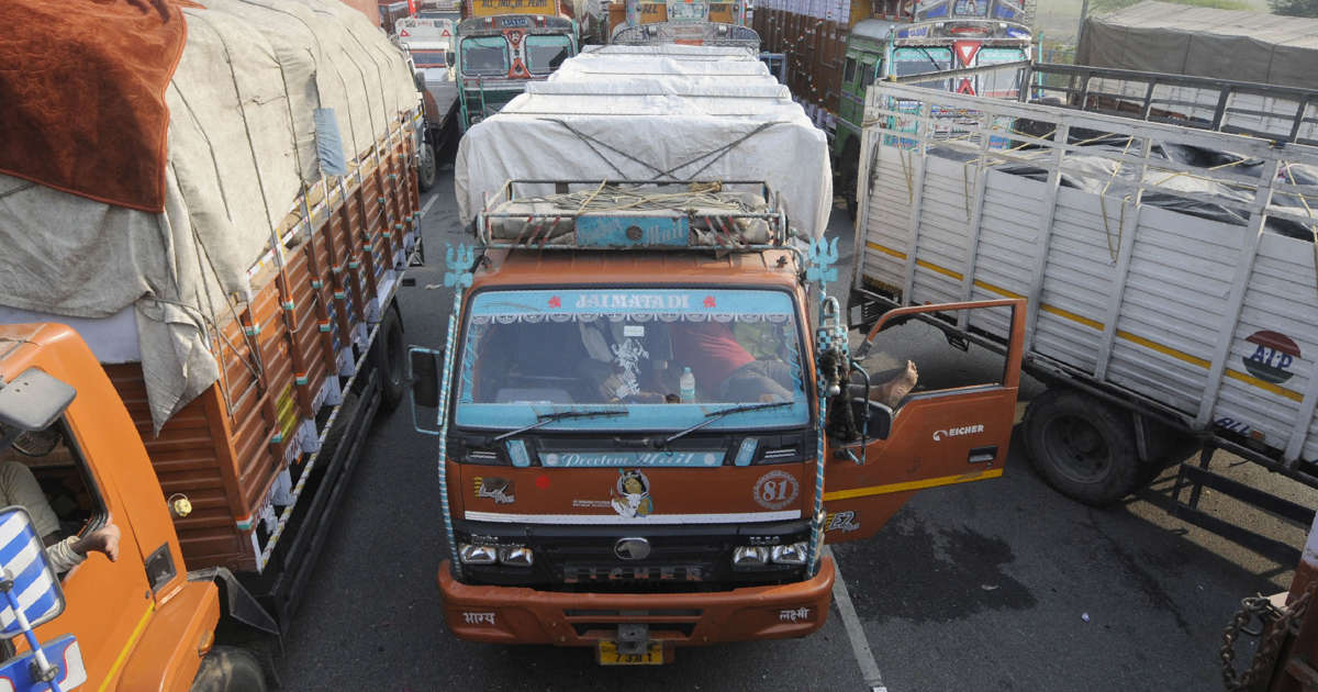 Delhi: Truck driver issued Rs 2 lakh challan for 'overloading'