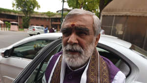 Ink thrown at Union minister Ashwini Kumar Choubey in Patna
