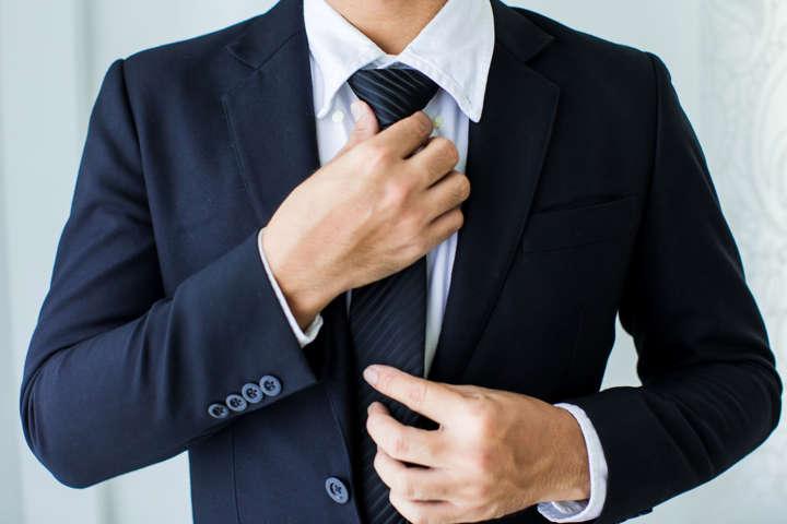 κουστούμι και γραβάτα