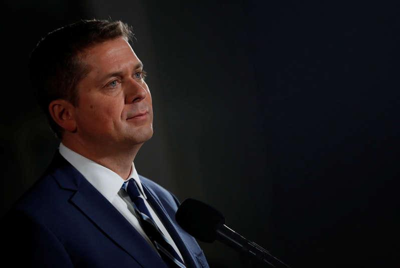 El líder conservador Andrew Scheer habla en una conferencia de prensa después de un debate electoral federal en inglés en el Museo de Historia de Canadá en Gatineau, Quebec, Canadá, el 7 de octubre de 2019. REUTERS / Stephane Mahe