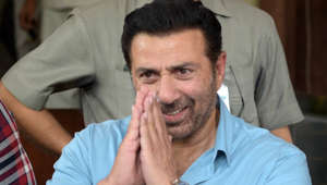Deol's 'tareek pe tareek' dialogue at Haryana poll rally