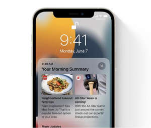 graphical user interface, application: Notification Summary lets you specify a time to get non-urgent notifications delivered as a digest so you can catch up on what you missed throughout the day. Image: Apple