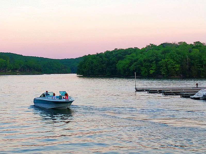 Passeio de barco em Lake of the Ozarks - Paulo Basso Jr.