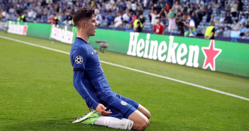 a crowd of people watching a football game: Havertz Chelsea