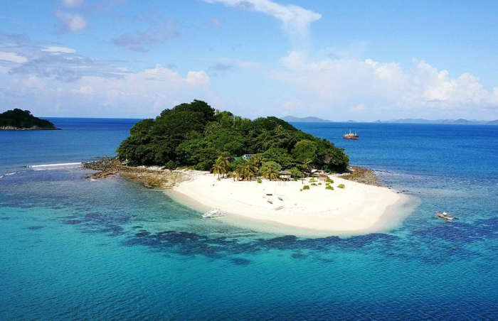 Частни острови