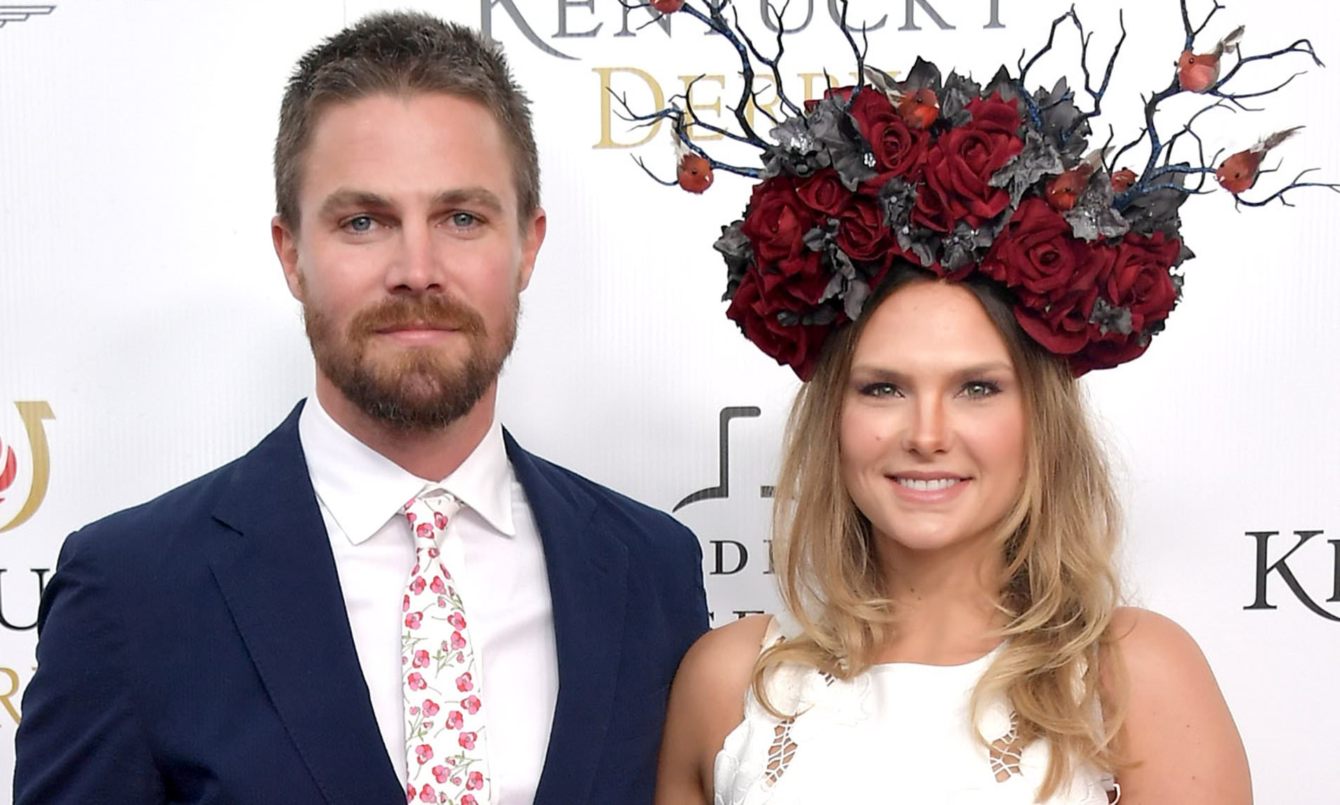 Arrow's Stephen Amell 'forcibly removed from a flight by air marshal'