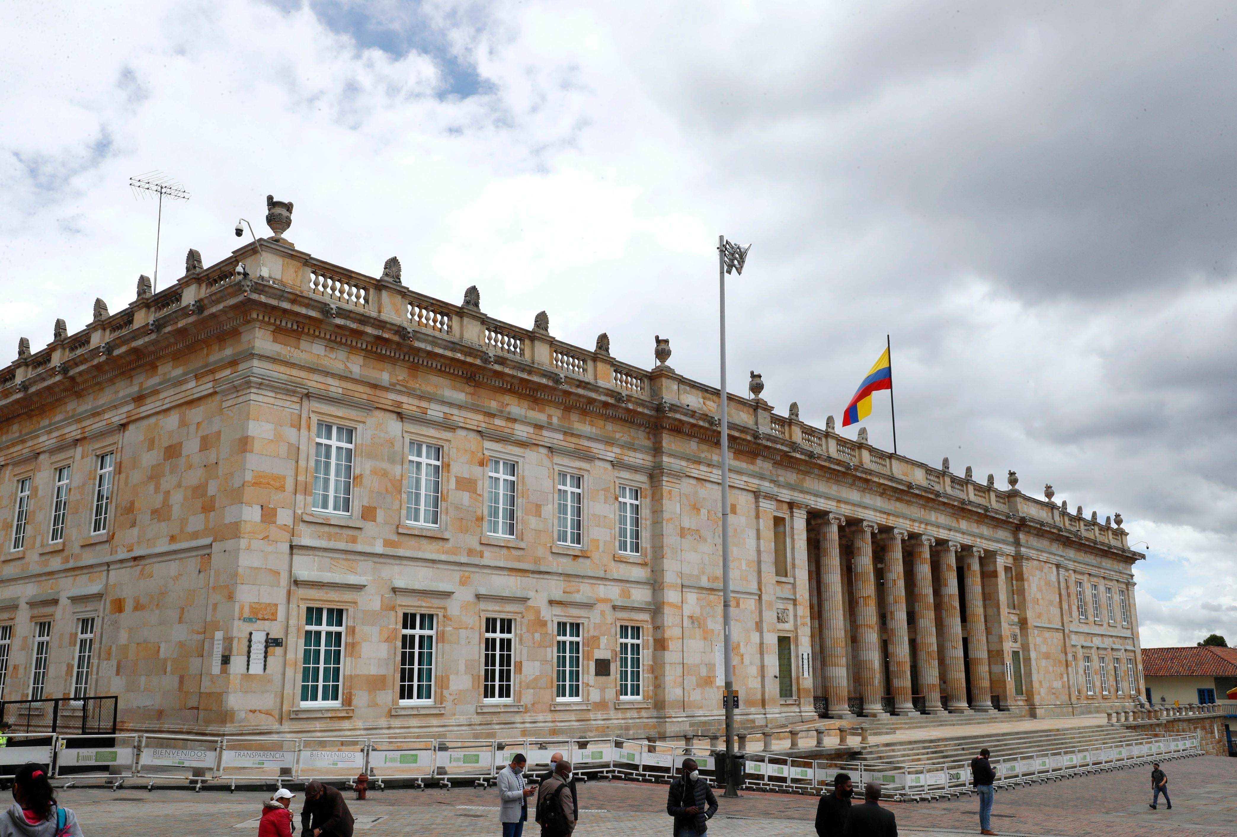Congreso busca regular la venta de bebidas energizantes en Colombia