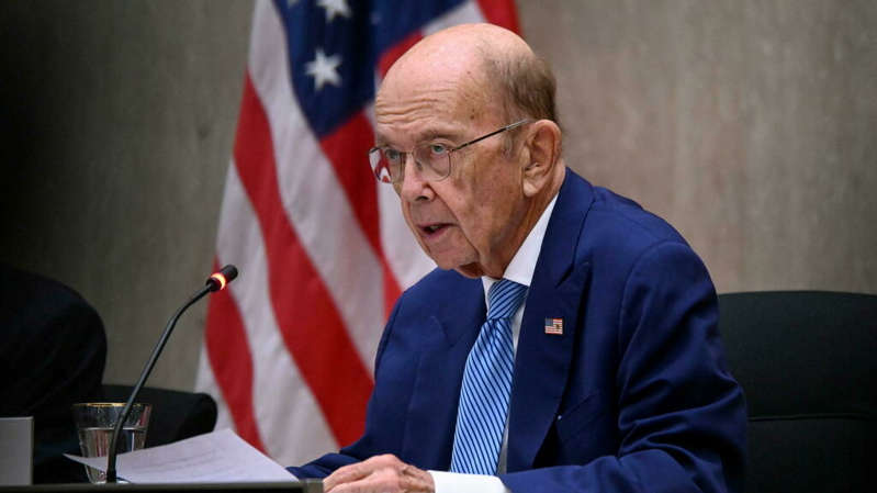 Wilbur Ross wearing a suit and tie