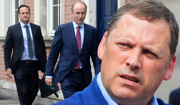 Leo Varadkar, Micheal Martin are posing for a picture