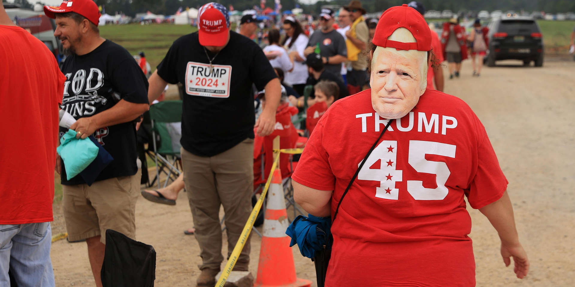 An Attendee At The Alabama Trump Rally Said She Wanted Trump to Reveal That He Was Still President, Echoing The Conspiracy Theory That Grips The Republican Party AANB68T