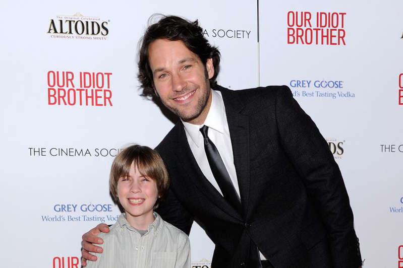 Matthew Mindler, Paul Rudd are posing for a picture: Child star Matthew Minder has tragically died at the age of 19
