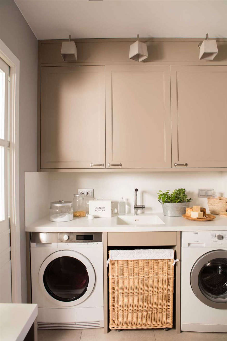 washer-and-dryer-in-kitchen 00499868 O