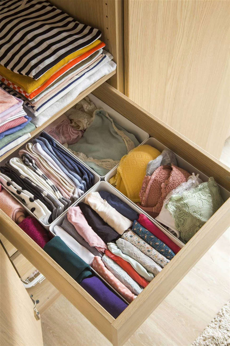 wardrobe-drawer-with-dividers-for-inner-clothing-00478035-o-3aa3a147-1333x2000-273c4a23-1333x2000 6af99632 1333x2000