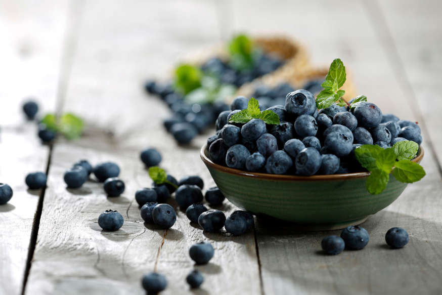 Blueberries: These are their antioxidant and antibacterial properties