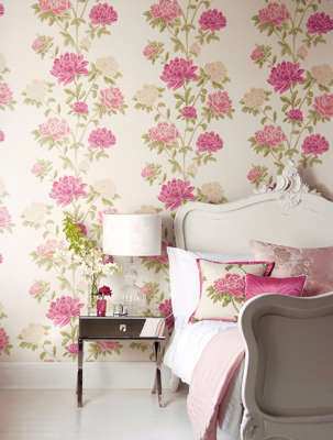 Floral wallpaper makes the wall not just an accent, but an art object in its own right.