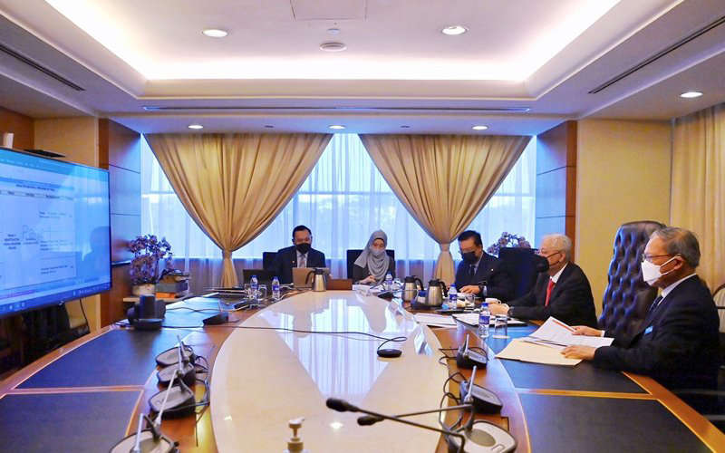 Ismail Sabri Yaakob meeting his ministers on their progress since their swearing in. They have to present their report cards by Dec 10.
