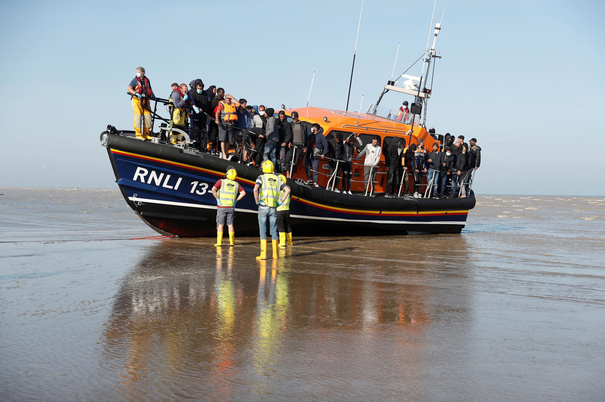 Dont renege on Channel migrant deal, France warns Patel