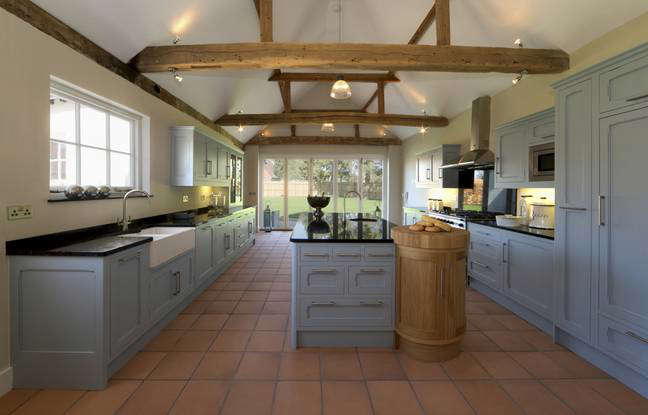 Old beams and old flooring give character and personality to your decoration. - IStock/ City Press