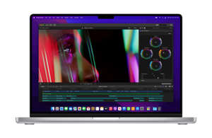 Apple demonstrated how the MacBook Pro could handle seven 8K video streams at the same time in a briefing to reviewers.