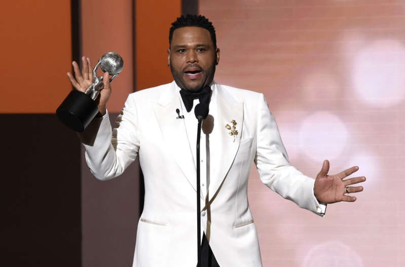 """""""I'm not here to judge anyone on what they should do with their body,"""" actor Anthony Anderson says, talking about COVID-19 vaccinations. (Chris Pizzello / Associated Press)"""