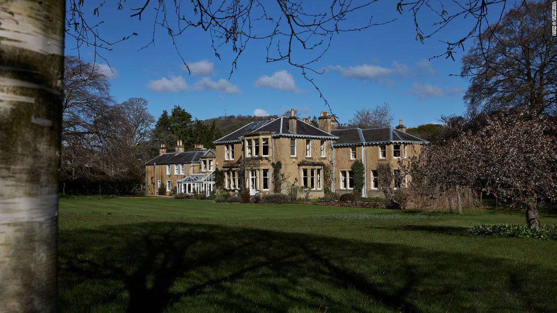 The dish was part of a wider auction of the contents of Lowood House in the Scottish Borders