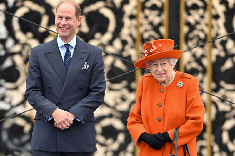 Queen Elizabeth II and Prince Edward, Earl of Wessex at Buckingham Palace on October 07 2021 in London