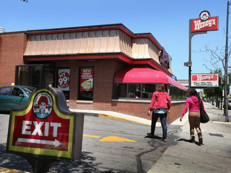 The fast-food industry is in crisis, and it's only getting worse