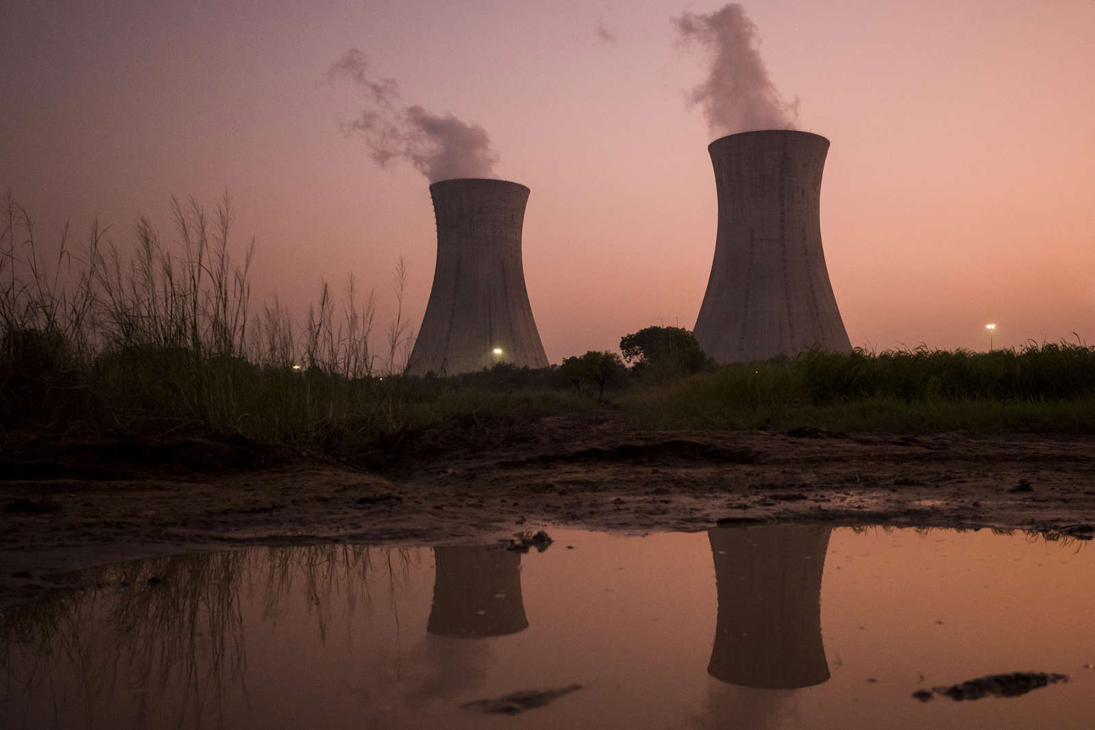 An energy crisis is gripping the world, with potentially grave consequences thumbnail