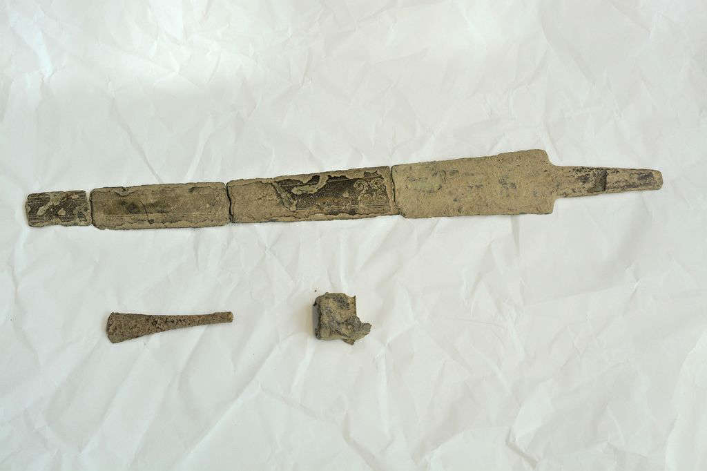 Pieces of a sword believed to be from the Bronze Age were found by Matti Rintamaa in his parent's yard with the help of a metal detector in the Finnish village of Panelia.