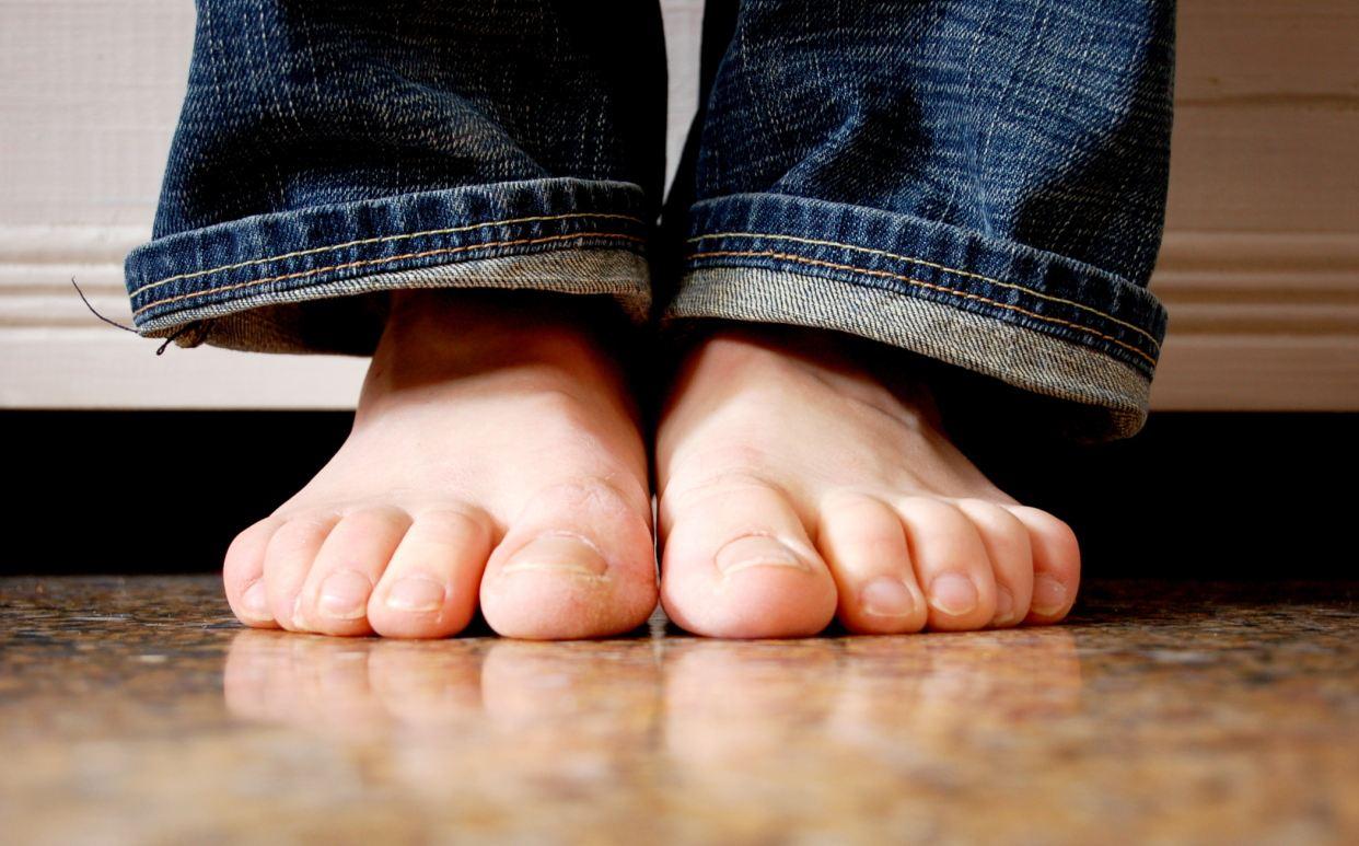 doigt de pied blanc
