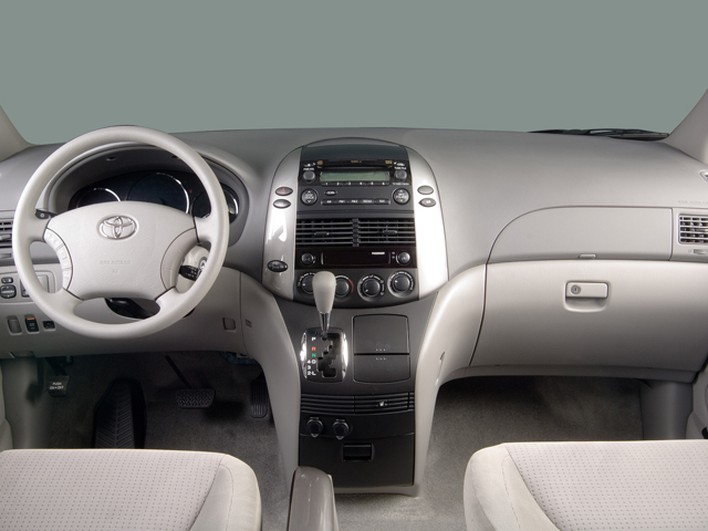 Slide 1 Of 11: 2006 Toyota Sienna