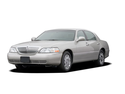 Slide 1 of 15: 2006 Lincoln Town Car