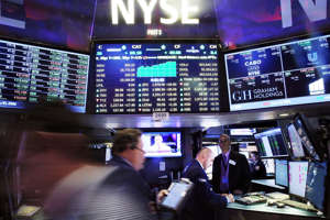 S&P 500 drops 8%, triggers 'circuit breaker' trading halt even after the Fed cuts rates - msnNOW 5