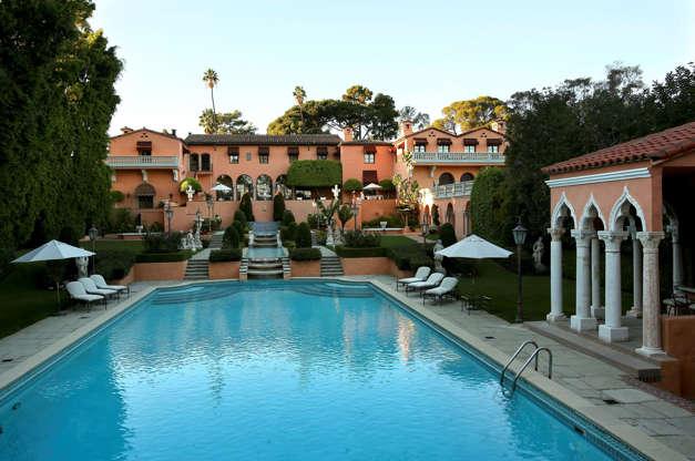 Διαφάνεια 8 από 14: 13.Hearst Castle, California, USA $191 million