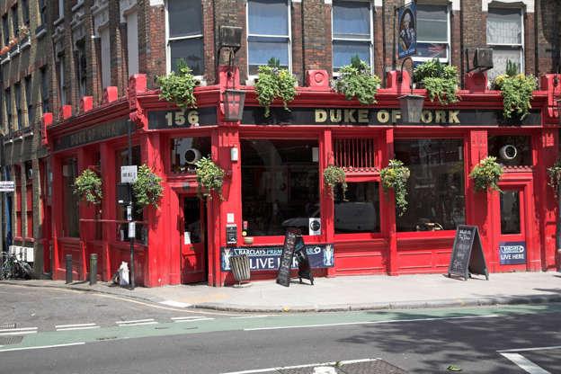 Διαφάνεια 14 από 20: Bright red painted traditional public house, The Duke of York pub, London, England