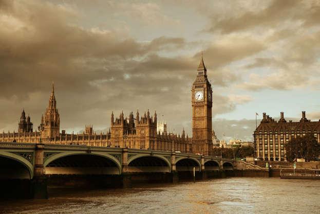 Διαφάνεια 7 από 20: House of Parliament in Westminster in London.