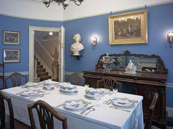 Διαφάνεια 17 από 20: Charles Dickens Museum, London, United Kingdom. Architect: Purcell UK, 2012. Charles Dickens Museum, London, United Kingdom. Architect: Purcell Uk, 2012. Period Style Dining Room With Set Table.