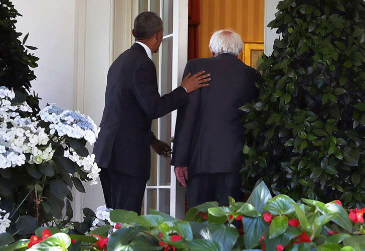 Democratic presidential candidate Sen. Bernie Sanders (D-VT) (R) enters the Oval Office with President Barack Obama (L) as he arrives at the White House for a meeting June 9, 2016 in Washington, DC. Sanders met with President Obama after Hillary Clinton has clinched the Democratic nomination for president.