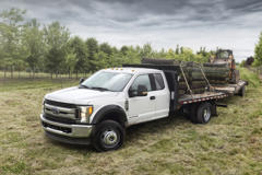 Ford F-450 Super Duty Chassis Cab