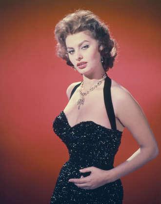 Διαφάνεια 20 από 45: Italian actress Sophia Loren, circa 1955. (Photo by Diltz/RDA/Getty Images)